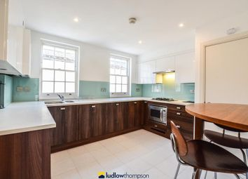 Thumbnail 3 bed mews house to rent in Montague Mews, London