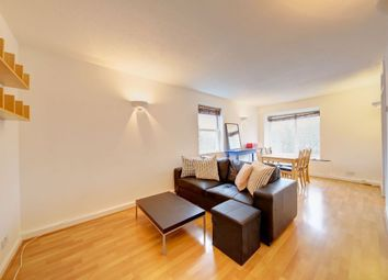 Thumbnail 1 bed flat to rent in Clapham Common South Side, London