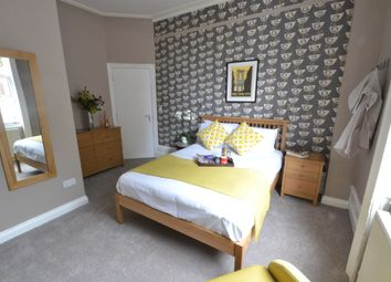 Thumbnail Room to rent in Thames House, Reading, Berkshire