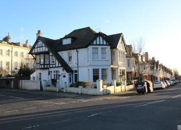 Thumbnail Room to rent in York Place, York Avenue, Hove