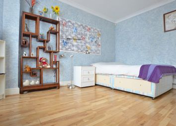 Thumbnail Room to rent in Durnsford Rd, London
