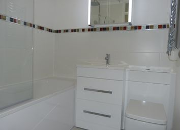 Thumbnail 1 bed flat to rent in Merrylands Road, Bookham, Leatherhead