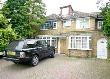 Thumbnail 6 bed detached house to rent in Fitzalan Road, Finchley