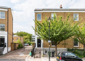 Thumbnail 5 bed town house to rent in Stockwell Park Crescent, London