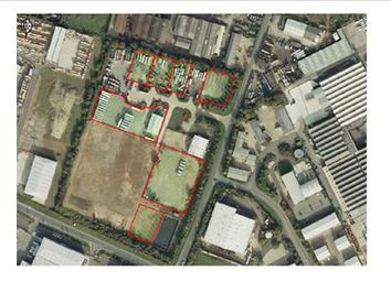 Thumbnail Commercial property to let in Supergas Industrial Estate, Downs Road, Witney, Oxfordshire