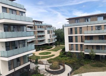 3 bed flat to rent in Quebec Way, London SE16