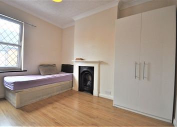 Thumbnail Room to rent in Nascot Place, Watford