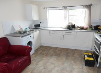 2 bed property to rent in Cleveland Close, Nottingham NG7