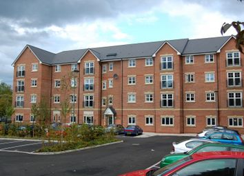 2 bed flat to rent in Ladybarn Court, Ladybarn Lane, 2 Bed, Manchester M14