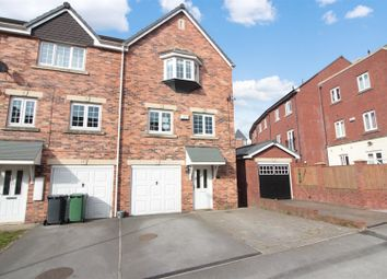 4 bed town house for sale in Castle Lodge Avenue, Rothwell, Leeds LS26