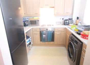 Thumbnail 2 bedroom flat to rent in Enstone Road, Enfield