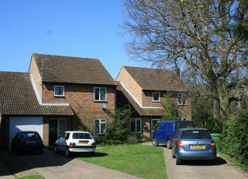 Thumbnail 4 bed detached house for sale in Stapleton Close, Marlow