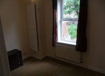 Thumbnail 1 bedroom flat to rent in Zinzan Street, Reading