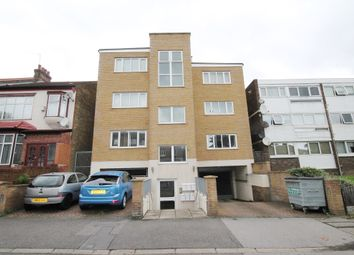 Thumbnail 2 bed flat to rent in Chigwell Road, South Woodford, London