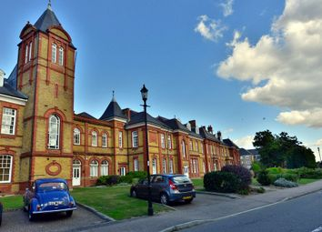 Thumbnail 1 bed flat to rent in Newsholme Drive, Winchmore Hill