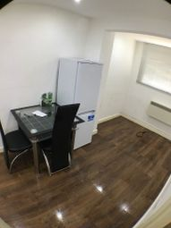 Thumbnail 1 bed flat to rent in Hanworth Road, Hounslow, London