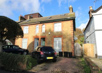 Thumbnail 6 bed detached house to rent in Chiltern View Road, Cowley, Uxbridge