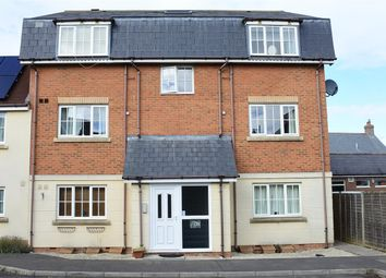 Thumbnail 1 bed flat to rent in Cresscombe Close, Gillingham