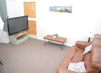 Thumbnail 1 bed flat to rent in Hill Street, Dunfermline, Fife