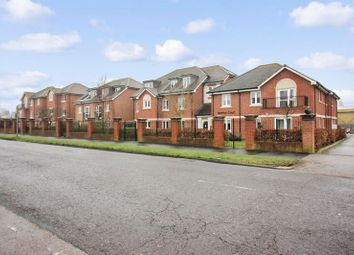 Thumbnail 1 bed flat for sale in Manton Court, Horsham