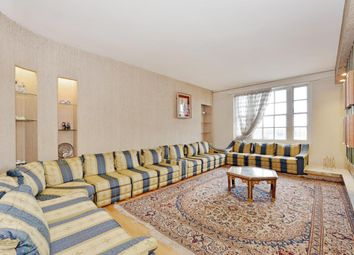 Thumbnail 4 bed flat for sale in George Street, London