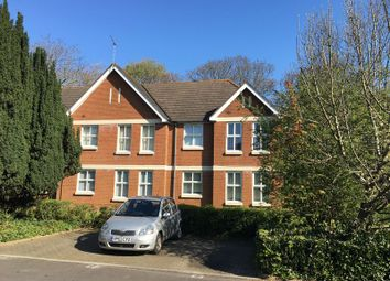 Thumbnail 1 bedroom flat to rent in Edinburgh Court, Regents Park Road, Regents Park, Southampton