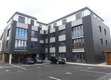 Thumbnail 2 bed flat to rent in Kings Road, Fleet