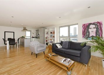 Thumbnail 2 bed flat to rent in Southgate Road, London