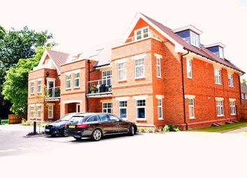 Thumbnail 2 bed flat to rent in St Marks Road, Binfield