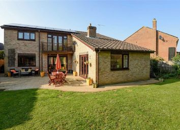 Thumbnail 5 bed detached house for sale in Cleycourt Road, Shrivenham, Oxfordshire