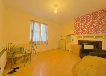 1 bed terraced house to rent in Deptford High Street, London SE8