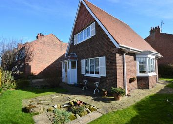 Thumbnail 2 bed detached house for sale in Victoria Avenue, Filey
