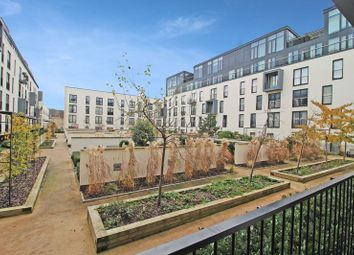 Thumbnail 2 bed flat for sale in Victoria Bridge Road, Bath