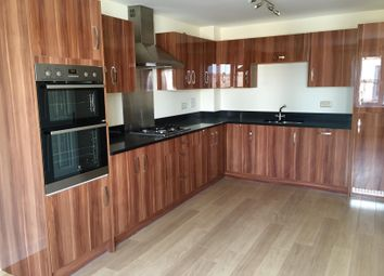 Thumbnail 4 bed town house to rent in Sovereign Place, Hatfield