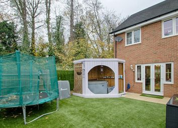 3 bed property for sale in Aldermere Avenue, Cheshunt, Waltham Cross EN8