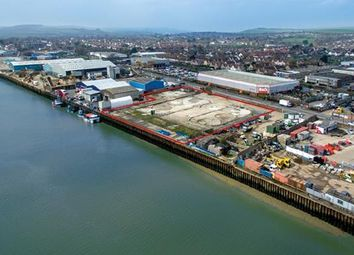 Thumbnail Commercial property to let in Lennards Wharf, 33 Brighton Road, Shoreham-By-Sea, West Sussex