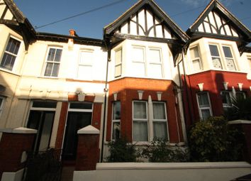 2 bed flat to rent in Winton Avenue, Westcliff-On-Sea SS0