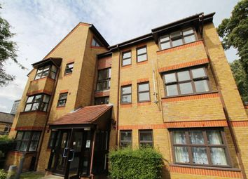 Thumbnail 1 bed flat to rent in Eden Road, Croydon