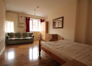 Thumbnail Room to rent in 9 Benson House, Old Nichol Street, Shoreditch