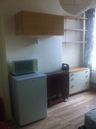 Thumbnail Room to rent in Woodside Road, Croydon