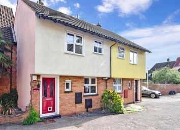 Crouch Street, Noak Bridge, Basildon, Essex SS15. 3 bed terraced house