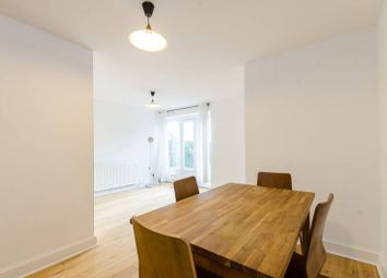 2 bed maisonette to rent in Princelet Street, Shoreditch, London E1