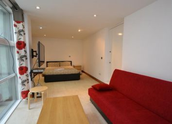 Thumbnail Studio to rent in Bell Street, London