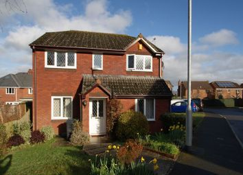 2 bed flat to rent in Walnut Close, Exminster, Exeter EX6