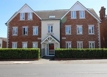Thumbnail 2 bed flat to rent in Shipbourne Road, Tonbridge