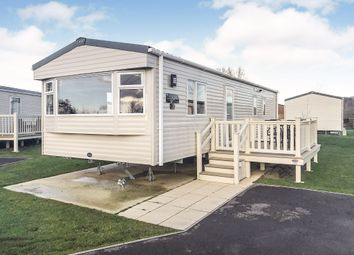 Thumbnail 2 bedroom mobile/park home for sale in Kestrel Close, Tattershall Lakes, Lincoln