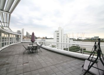2 bed flat to rent in Manchester Road, London E14