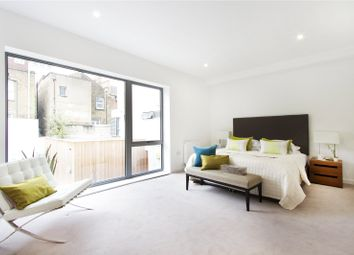 Thumbnail 2 bedroom flat for sale in Garrett Street, London