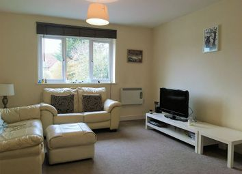 Thumbnail 2 bed flat to rent in Cavendish Road, Emmer Green, Reading