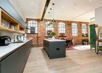 2 bed flat for sale in Water Lane, Richmond TW9